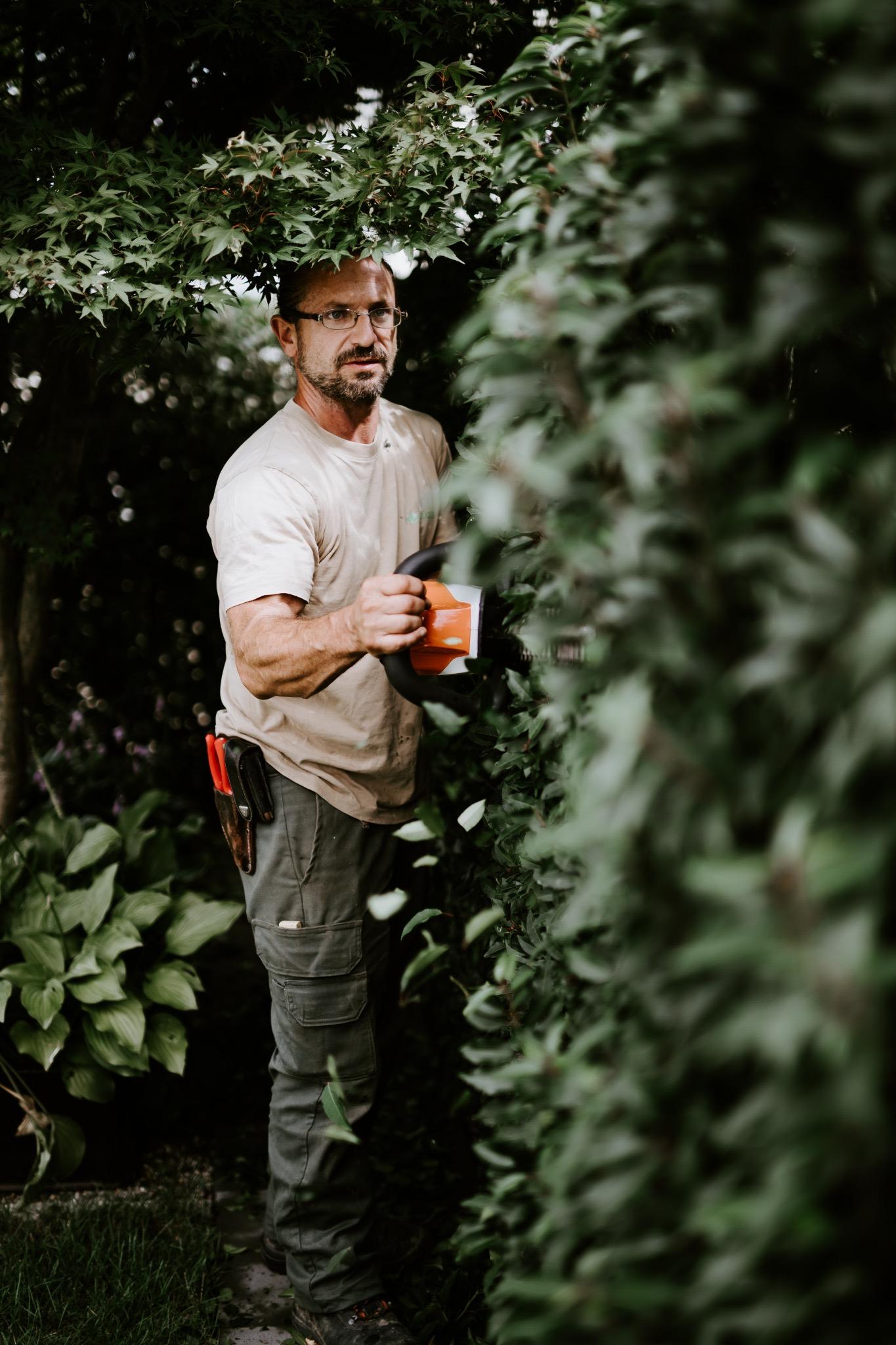 Unterhalt mit geräuscharmen Gartengeräten ohne Abgase